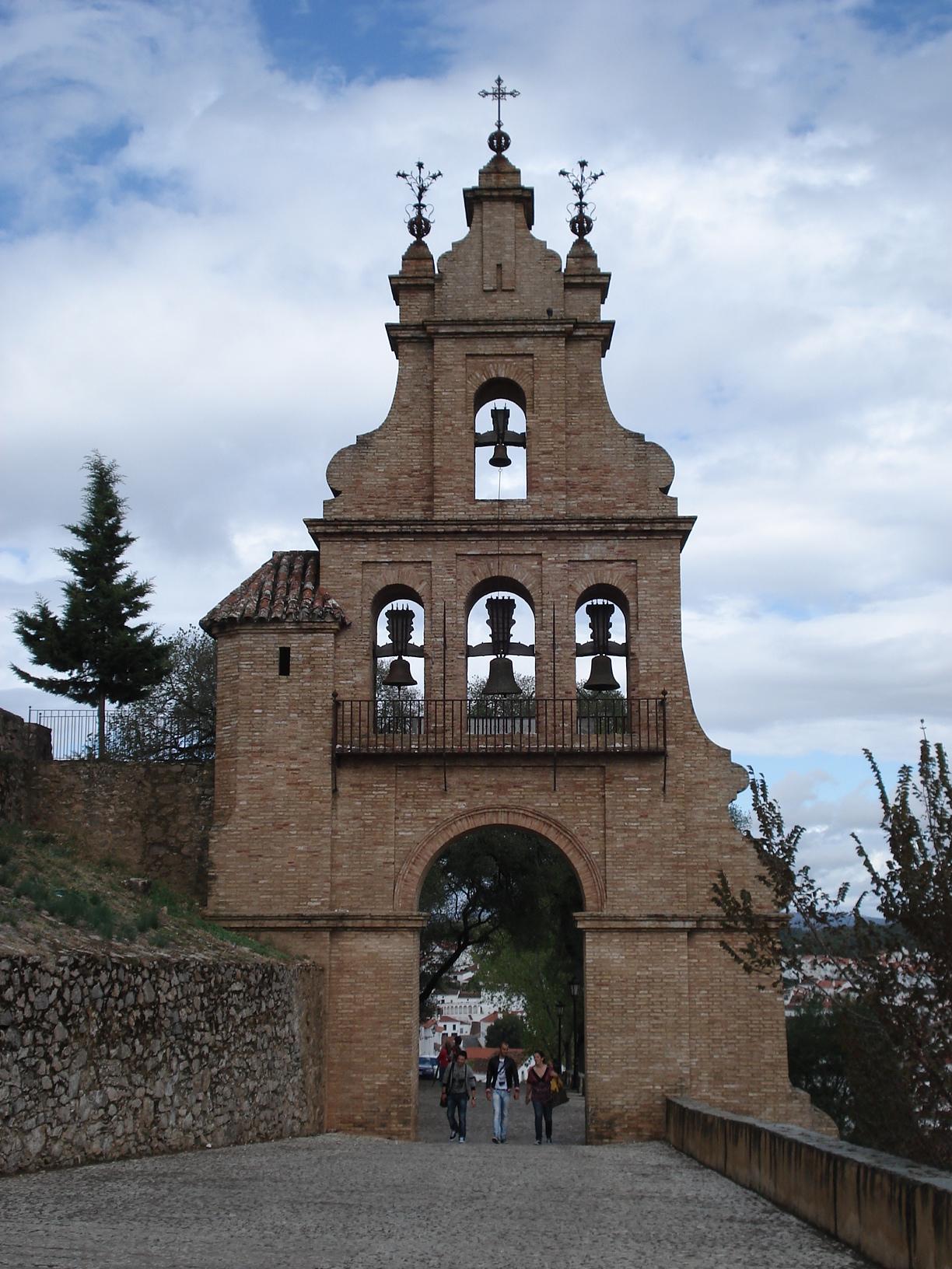 ARACENA-CASTILLO-ESPADAÑA