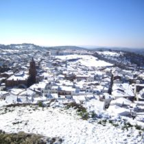 La Sierra de Huelva amanece cubierta por la nieve