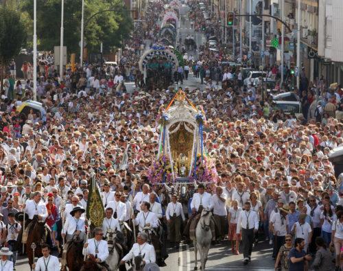 Huelva celebra su magna rociera